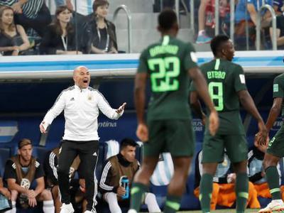 阿根廷2-1险胜出线